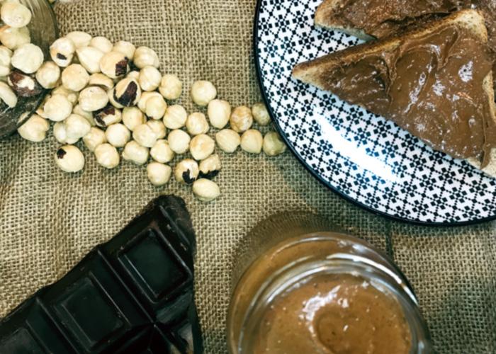 Άλειμμα με πραλίνα φουντουκιού και σοκολάτα